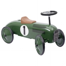 Ride-on vehicle green